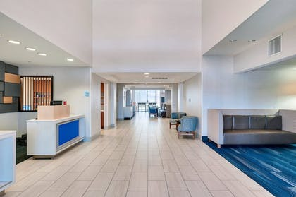 Interior | Holiday Inn Express Hotel & Suites Banning