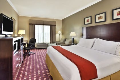 Guestroom | Holiday Inn Express Hotel & Suites Sealy