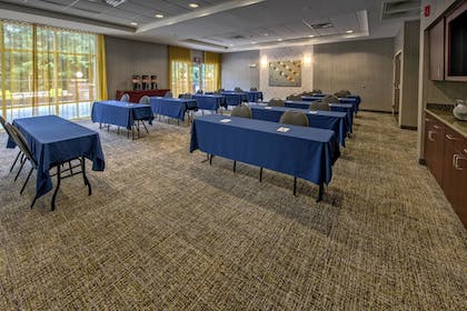 Meeting Facility | Springhill Suites by Marriott New Bern