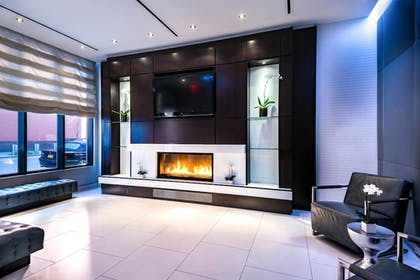 Fireplace | Fairfield Inn by Marriott New York Manhattan/Times Square