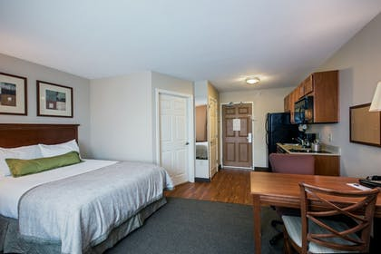 Guestroom | Candlewood Suites Indianapolis Northwest