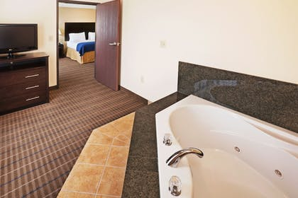 Guestroom | Holiday Inn Express Hotel & Suites Pauls Valley