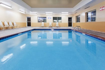 Pool | Candlewood Suites Lexington
