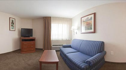 Living Area | Candlewood Suites Lexington