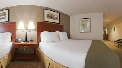 Guestroom | Holiday Inn Express Inn & Suites Searcy
