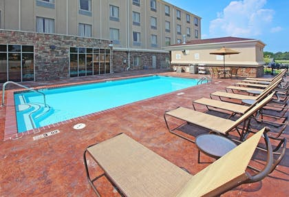 Pool | Holiday Inn Express Inn & Suites Searcy