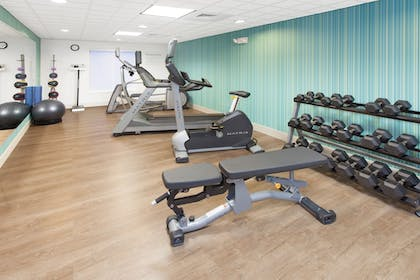 Fitness Facility | Holiday Inn Express Hotel & Suites, a Lake Zurich-Barrington