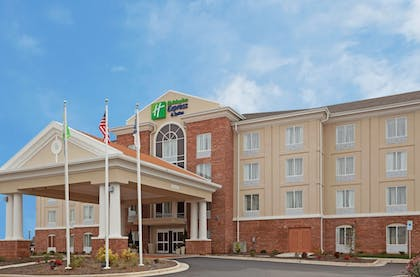 Featured Image   Holiday Inn Express Hotel & Suites Greensboro Airport Area