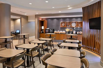 Restaurant | SpringHill Suites by Marriott Corona Riverside