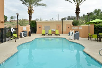 Outdoor Pool | SpringHill Suites by Marriott Corona Riverside
