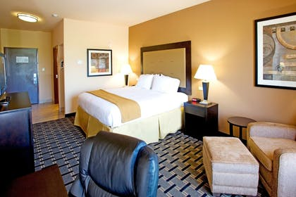 Room | Holiday Inn Express Suites Beeville