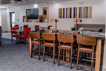 Breakfast Area | Holiday Inn Express Suites Beeville
