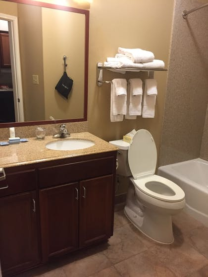 Bathroom | Candlewood Suites VICTORIA