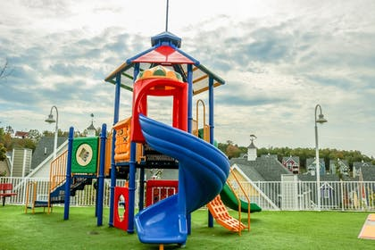 Childrens Play Area - Outdoor | Stormy Point Village Resort