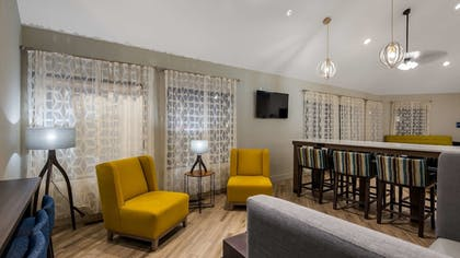 Lobby | Best Western Hampshire Inn