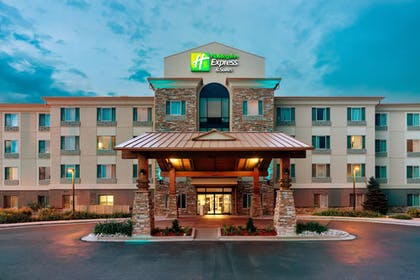 Exterior | Holiday Inn Express Hotel & Suites Denver Airport