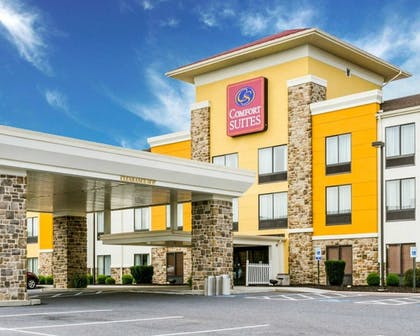 Featured Image   Comfort Suites Amish Country