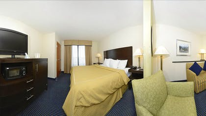 Guestroom   Comfort Suites Amish Country