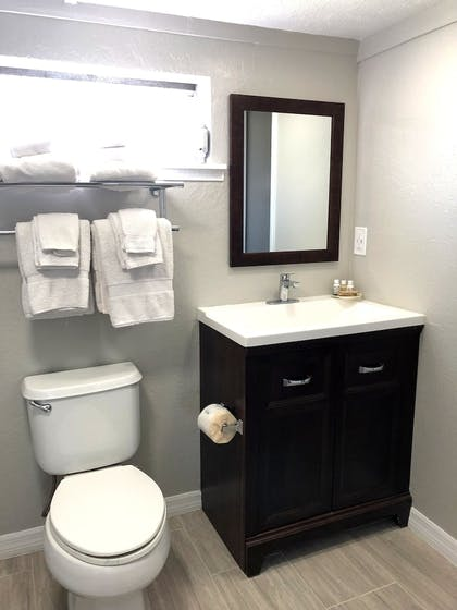 Bathroom Amenities | Hideaway Village