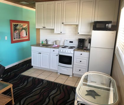 In-Room Kitchenette | Hideaway Village