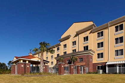Featured Image | Holiday Inn Express Hotel & Suites Crestview