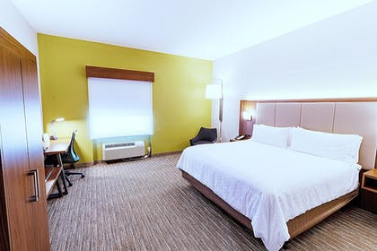 Guestroom | Holiday Inn Express Hotel & Suites Crestview