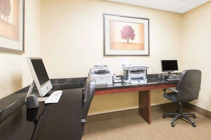 Business Center | Wingate By Wyndham Southport