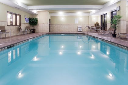 Pool | Holiday Inn Express Hotel & Suites Richfield