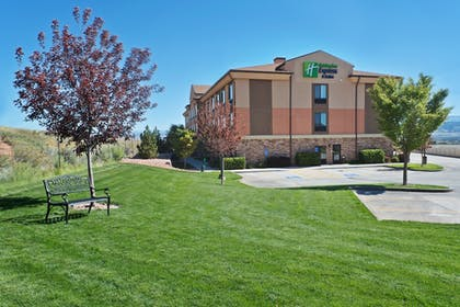 Hotel Interior | Holiday Inn Express Hotel & Suites Richfield
