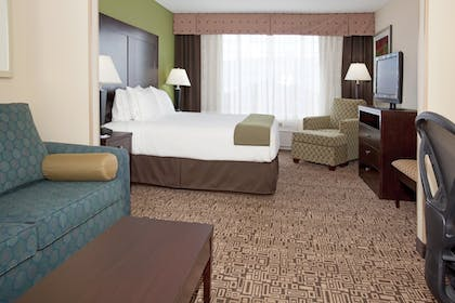 Room | Holiday Inn Express Hotel & Suites Richfield