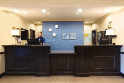 Interior | Holiday Inn Express Hotel & Suites Richfield