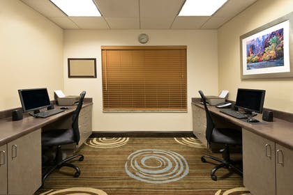 Business Center | Holiday Inn Express Hotel & Suites Richfield