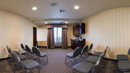 Meeting Facility | Holiday Inn Express Hotel & Suites Frazier Park