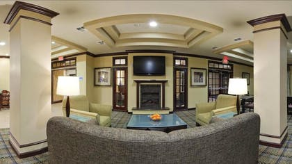 Lobby Sitting Area | Holiday Inn Express Hotel & Suites Frazier Park