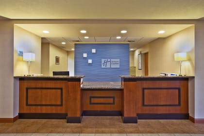 Lobby | Holiday Inn Express Hotel & Suites East Lansing