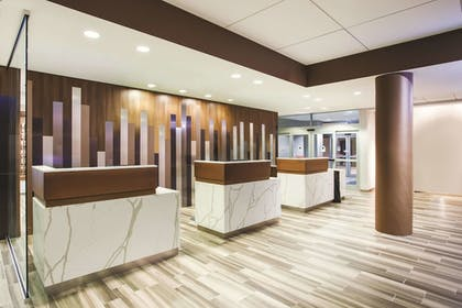 Lobby | La Quinta Inn & Suites by Wyndham Chicago Downtown