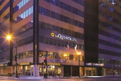 Featured Image | La Quinta Inn & Suites by Wyndham Chicago Downtown