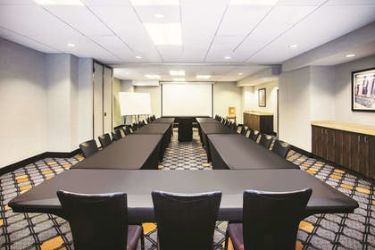 Meeting Facility | La Quinta Inn & Suites by Wyndham Chicago Downtown
