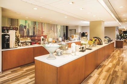 Property Amenity | La Quinta Inn & Suites by Wyndham Chicago Downtown