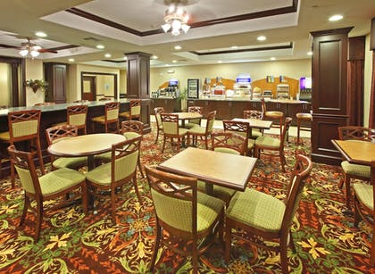 Restaurant | Holiday Inn Express and Suites Henderson