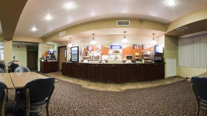 Breakfast Area | Holiday Inn Express and Suites Henderson