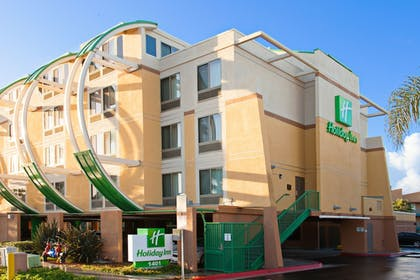 Featured Image | Holiday Inn Oceanside Camp Pendleton Area