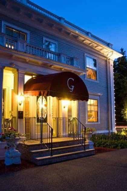 Exterior | Gateways Inn & Restaurant