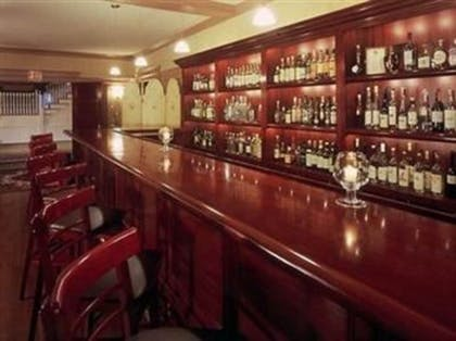 Hotel Bar | Gateways Inn & Restaurant