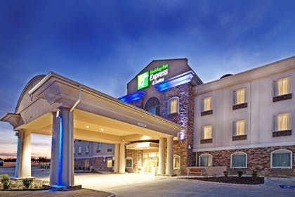 Featured Image | Holiday Inn Express & Suites Cedar Hill