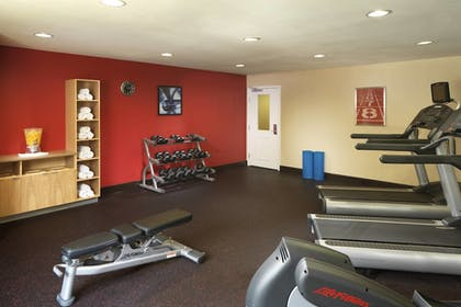 Fitness Facility | TownePlace Suites by Marriott Houston Intercontinental Arpt