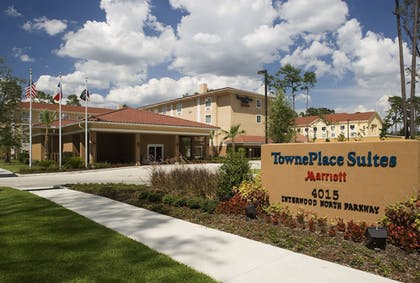 Hotel Front | TownePlace Suites by Marriott Houston Intercontinental Arpt