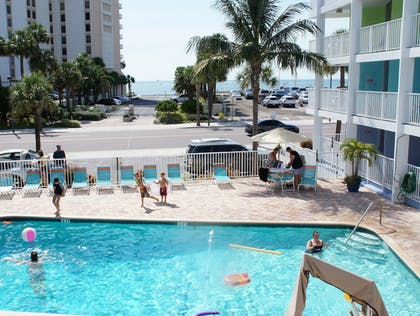 Outdoor Pool | Pelican Pointe Hotel by Sunsational Beach Rentals LLC