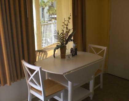 In-Room Dining | Pelican Pointe Hotel by Sunsational Beach Rentals LLC