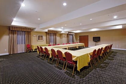 Meeting Facility | Holiday Inn Express Hotel & Suites NEWPORT